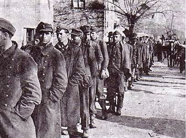 Zarobljeni hrvatski i njemački vojnici u Širokom Brijegu 7. veljače 1945.