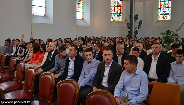 krizma_2014_siroki_1