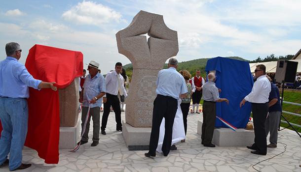 U Crnim lokvama otkriven spomenik svim žrtvama 1. i 2. svjetskog rata i poraća