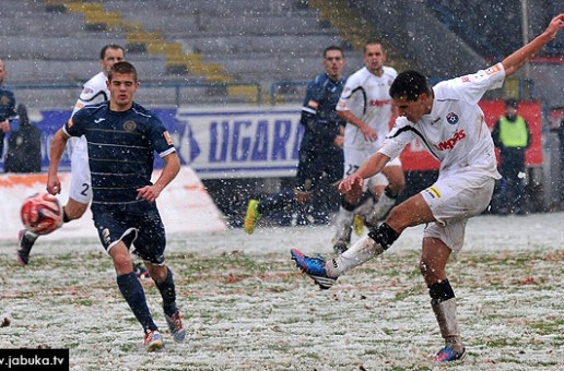 Na snježnoj Grbavici Željezničar i Široki odigrali neodlučeno, momčad s Pecare ide dalje