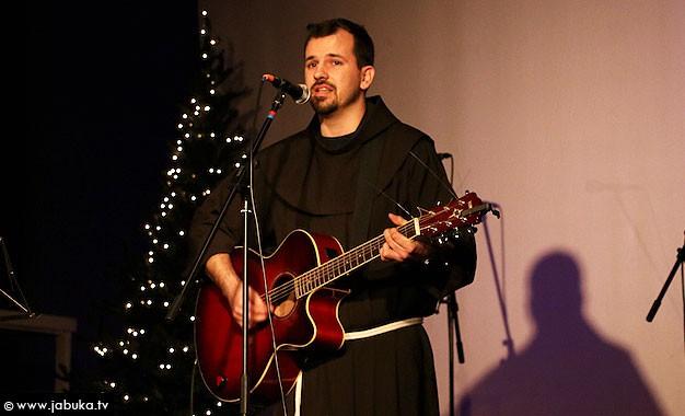 Širokobriješki franjevac fra Marin Karačić predstavlja svoj prvi CD