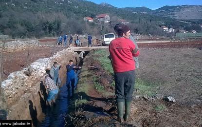 Mještani ljubuških sela zajedničkim snaga odradili akciju od vitalnog značaja