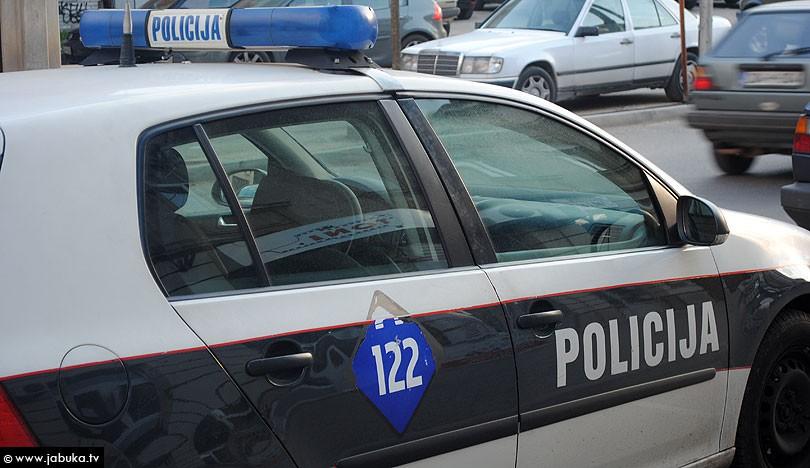 policija_auto