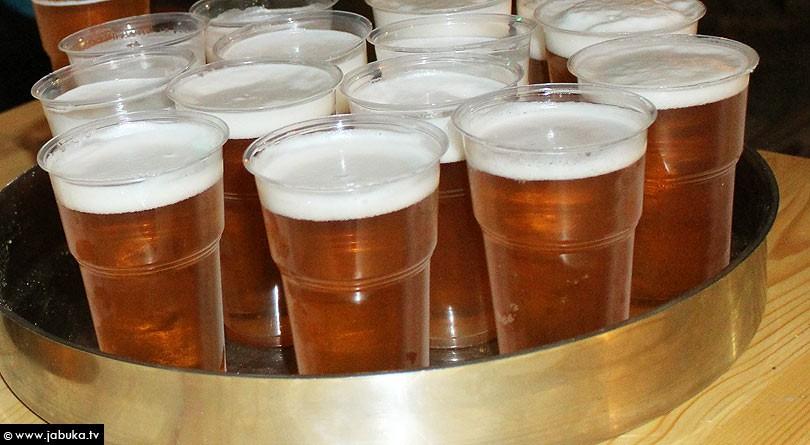 Evo što se sve događa u našem tijelu kada popijemo pivo  Jabuka.tv