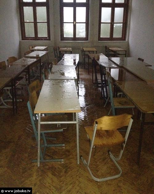 poplava_gimnazija