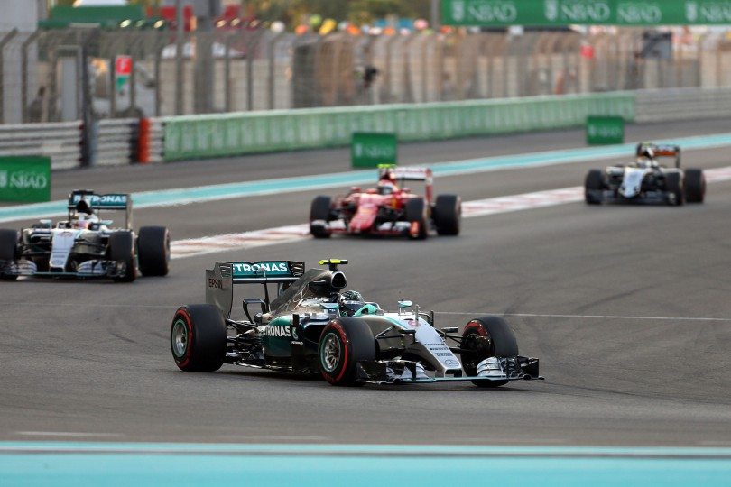 © Photo4 / LaPresse 29/11/2015 Abu Dhabi, UAE Sport  Grand Prix Formula One Abu Dhabi 2015 In the pic: Nico Rosberg (GER) Mercedes AMG F1 W06 and Lewis Hamilton (GBR) Mercedes AMG F1 W06