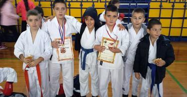 karate_siroki_1