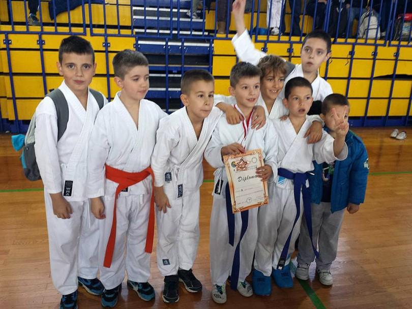 karate_siroki_3