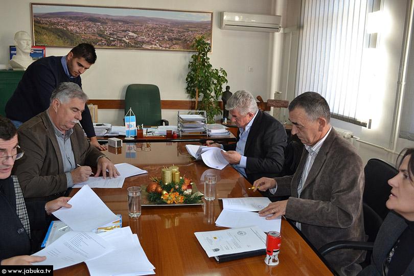 potpisivanje_ugovori_1