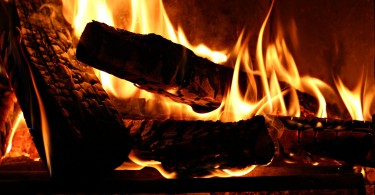 burning-wood-fire-flame-fireplace-photography-1920x1080-wallpaper35716