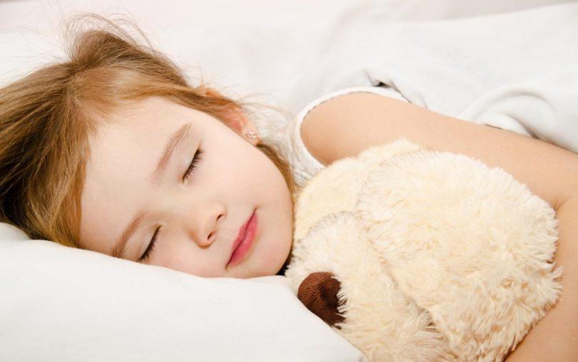 djevojcica spava