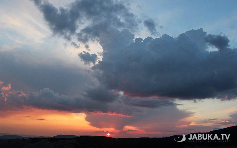 sunce_zalazak_oblaci