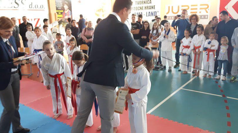karate_siroki2