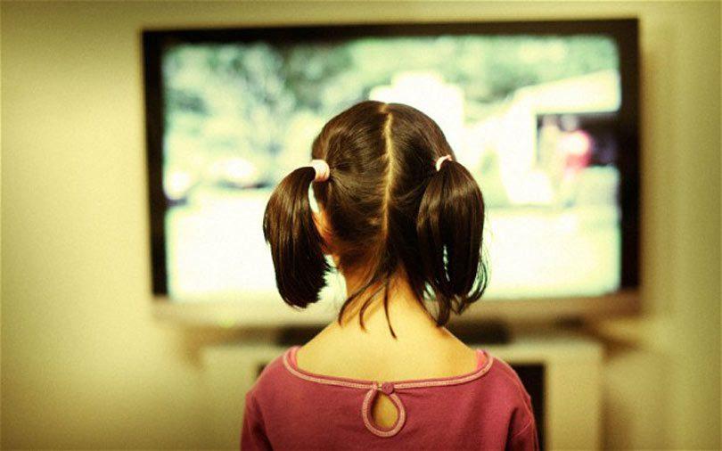 dijete_televizor