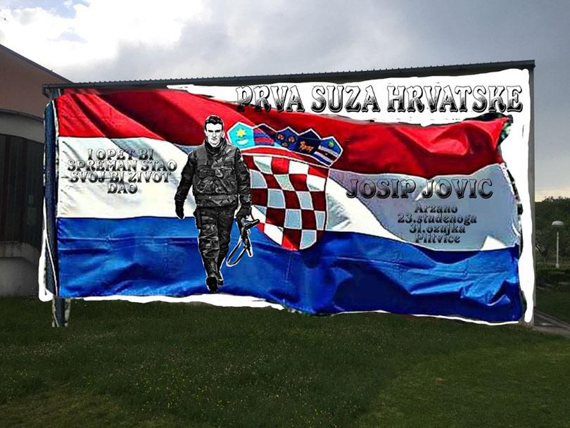 Prva žrtva Domovinskog rata dobila mural u rodnom mjestu | Jabuka.tv