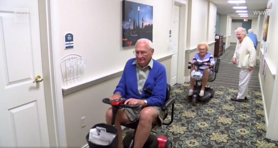 on ima 100, a ona skoro 103 godine i upravo su se vjenčali!
